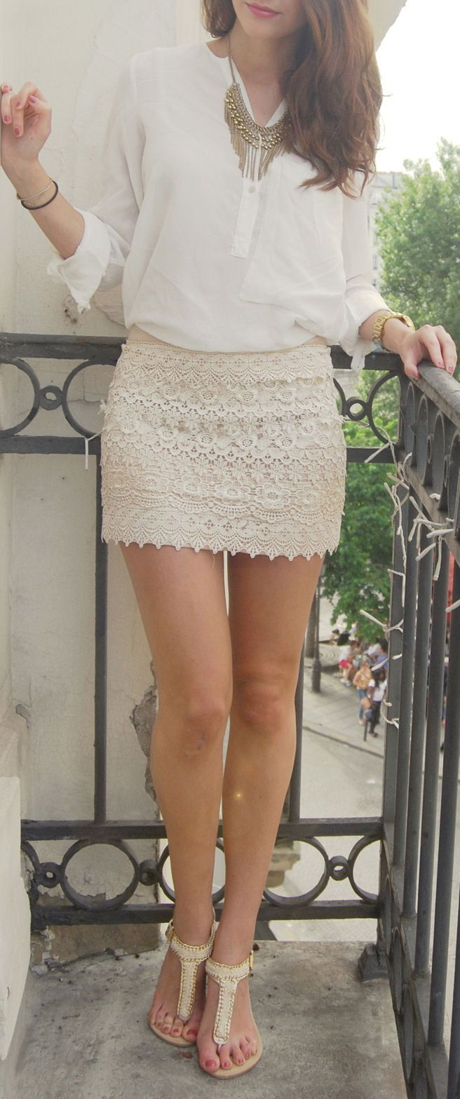 Love love love this. Lace skirt with plain white top, with a beautiful necklace thrown in