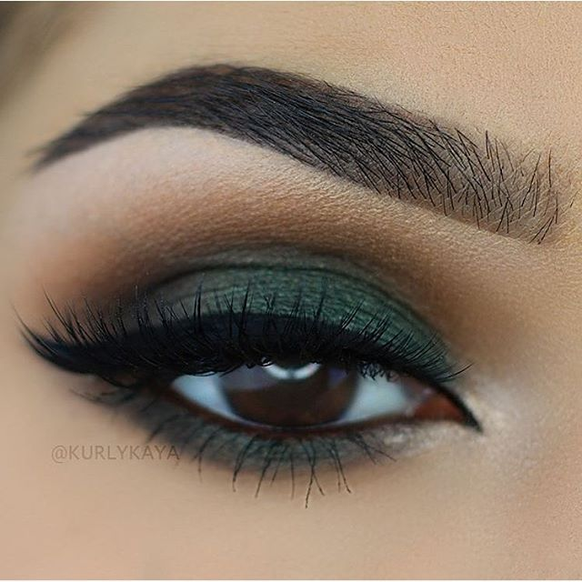 beautiful brown eyes with green eyeshadow #makeup