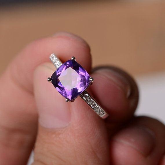 This is a gorgeous handmade creation. Its beauty is its simplicity & Elegance. The 8*8mm cushion shape faceted amethyst is crafted in vermeil