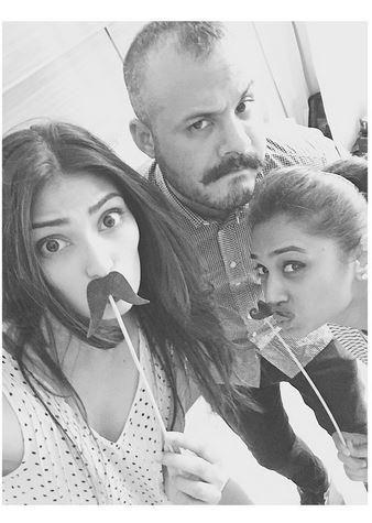Athiya Shetty gets all goofy! | PINKVILLA
