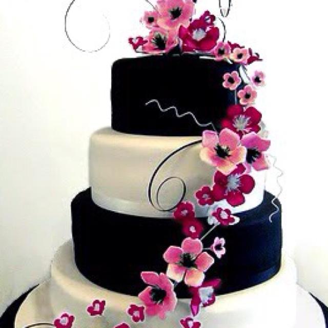 Black/pink wedding cake