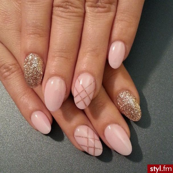 17 Preciosos Diseños de Uñas con brillo o Glitter - Manicure