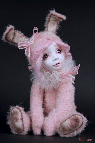 http://www.mischolitos.blogspot.com/2012/02/blanca-die-puppe-fur-dein-kind.html  Anuk by Anna Tide