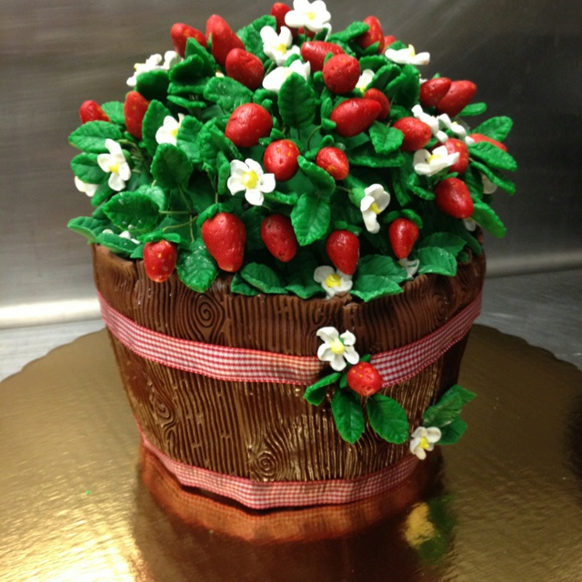 "Basket of Strawberries"" Marzipan strawberries and leaves. Royal icing ..."