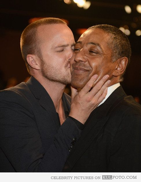 Jesse loves Gus - Funny Aaron Paul who plays Jesse Pinkman is kissing Giancarlo Esposito who plays Gustavo Fring on the cheek.