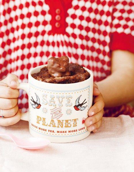 Mug cake banane et ours guimauve pour 1 personnes - Recette Larousse Cuisine pour Elle à Table