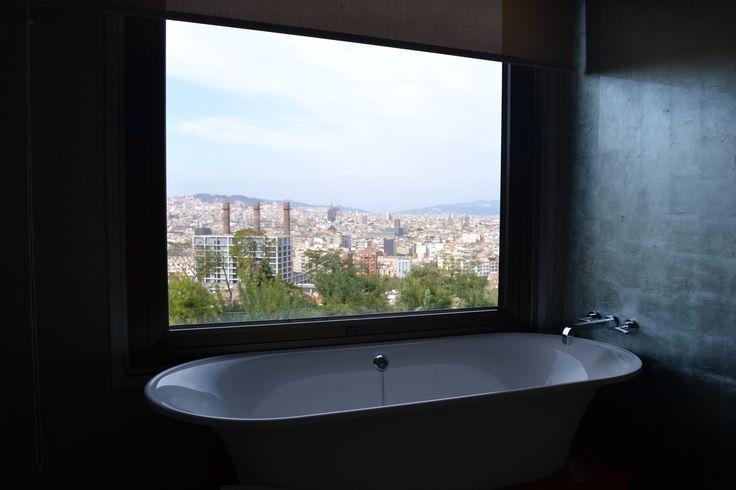 Barcelona Posa Guapa desde el Hotel Miramar. #diseñodeinteriores #hotelmiramar #sunday #arquitectura #opengran #openhousebcn