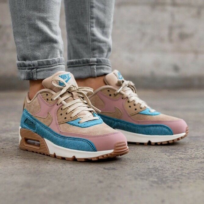Women S Nike Air Max 90 Lx Suede Sneakers Size 7 Nike Lowtop Suede Sneakers Woman Nike Air Max For Women Nike Sneakers Women
