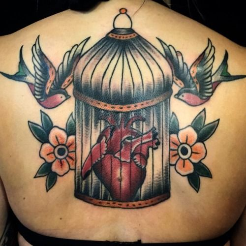 Cage, heart, flowers and birds. #cage #heart #flowers #birds #nillesalvation  (på/i Salvation Tattoo)
