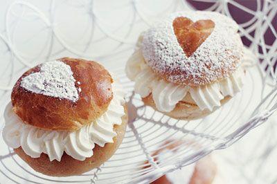 Perinteinen suomalainen leivos, laskiaispulla / Traditional Finnish dessert, laskiaispulla. #Finland #Food #Dessert
