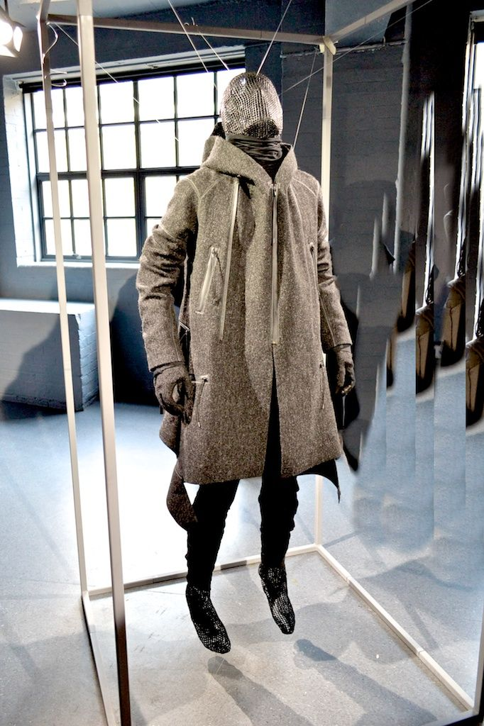 Aitor Throup Autumn/Winter 2013 Fashion Presentation @ London Collection Men: A Commercially Transformed Artistic Menswear Collection