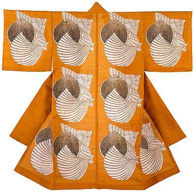 Serizawa Keisuke: Kimono--Two hats and a fan of Okinawa.     1960        Linen