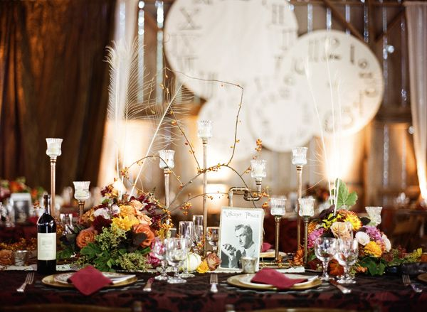 A fabulous way to dress a table! I love the added touch of vintage celebrity photos. :)
