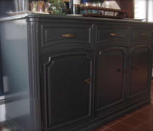 "Silver Fox Paint Kitchen: Benjamin Moore ""soot"" Cabinets."
