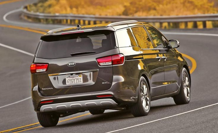 2015 Kia Sedona - Photo Gallery of First Drives from Car and Driver - Car Images - CARandDRIVER