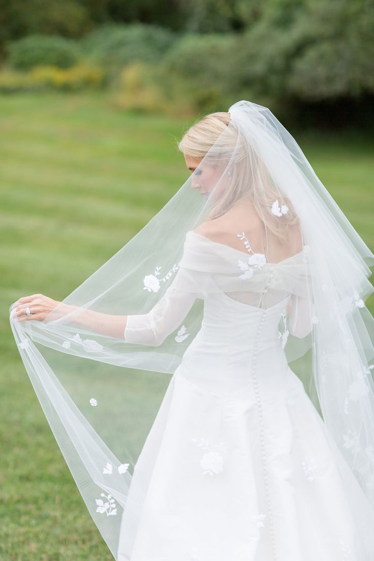 16 best Wedding images on Pinterest | Bridal gowns, Wedding dress ...