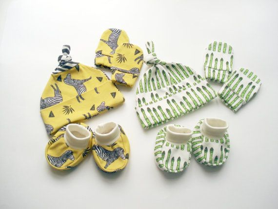 READY TO SHIP Organic cotton Clothing Set 0-3 months : Hat + Mittens + Booties newborn pants clothes newborn Hat Organic Baby Gift