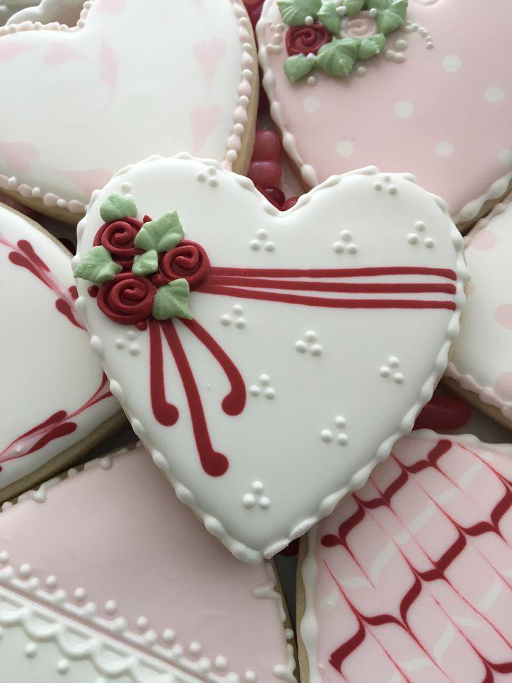 Valentine cookie love