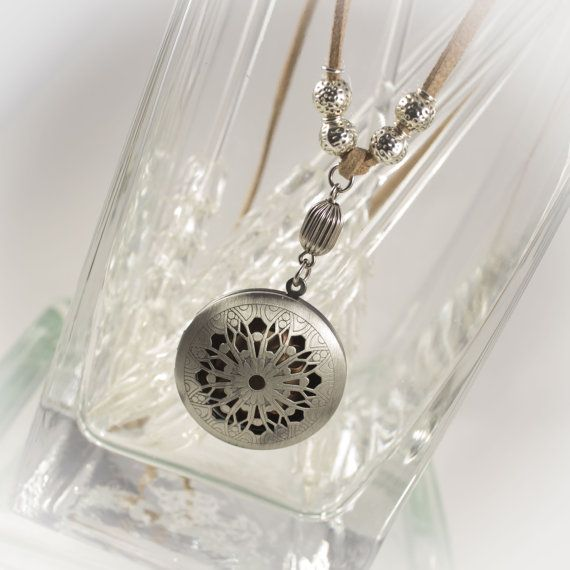 Ultimate Essential Oils locket with diffuser insert - Limited time FREE Refill gift included 219906DAS