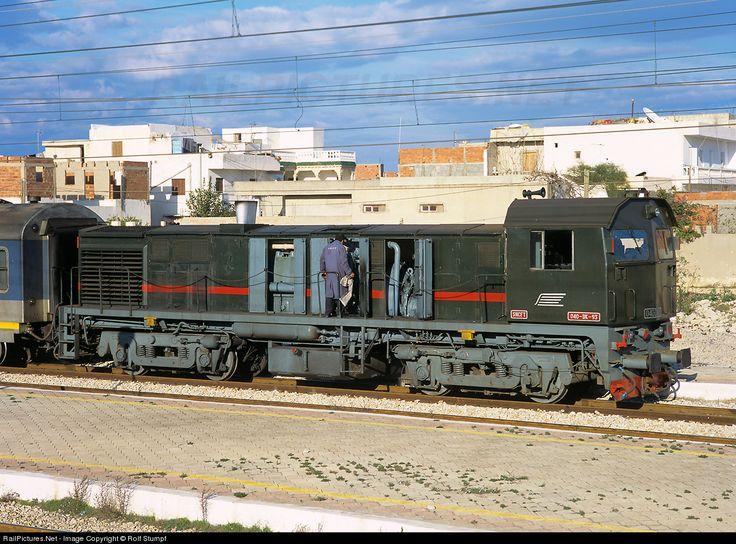 RailPictures.Net Photo: SNCFT DK-93 Societé Nationale de Chemins de Fer Tunisiens (SNCFT) MLW DL536B at Sousse, Tunisia by Rolf Stumpf