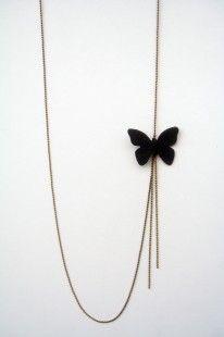 sautoir papillon en cuir