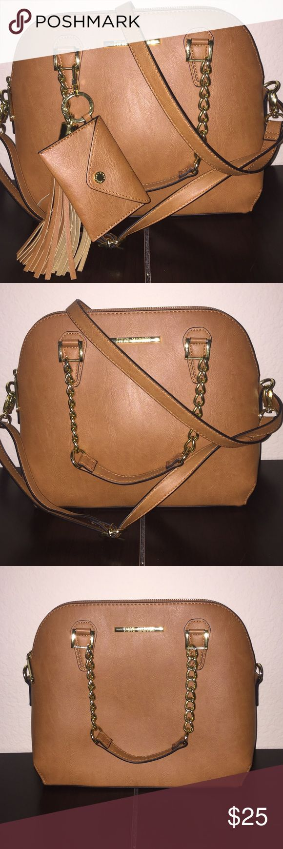Light brown Steve Madden purse New without tags! This light brown purse is perfect for on the go. This purse has an adjustable cross body option. The purse as two pockets in the inside and a zipper. On the outside it has a detachable charm that can also be used to store card and cash, if you didn't want to take your whole purse. Steve Madden Bags Crossbody Bags