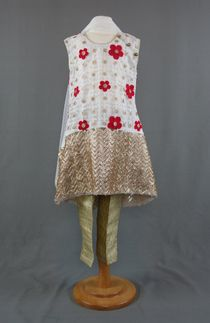 Come to login our online shopping store and avail the latest collection of colorful kids Salwar Kameez at low prices.