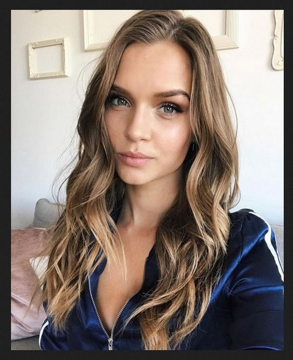 Long Wavy Curls Hairstyles 2018-2019 Round Faces with Highlights