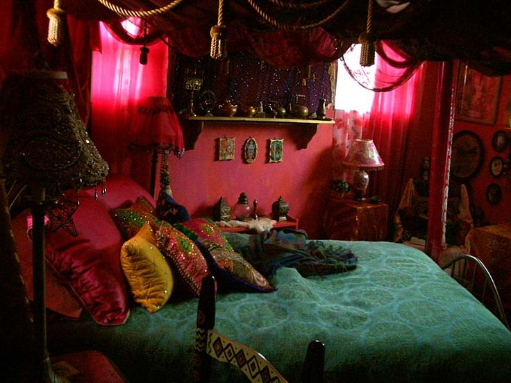 Bohemian bedroom bohemian decor hippie gypsy for Bohemian bedroom ideas pinterest