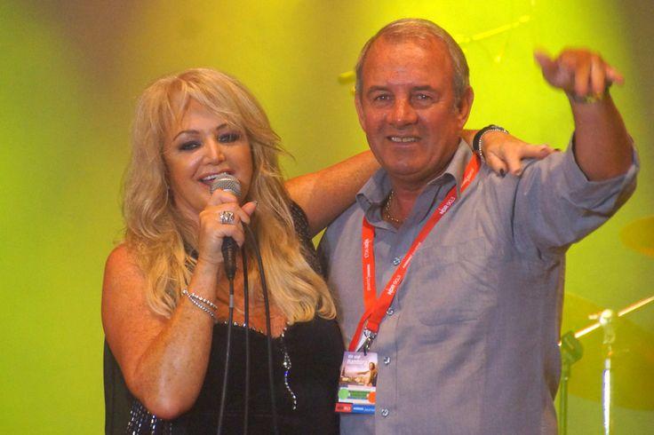 Bonnie Tyler and Robert Sullivan in Hamburg, 27/07/2013 © Andres Lehmann  http://ukonio.de/ #bonnietyler #thequeenbonnietyler #therockingqueen #rockingqueen #music #rock #2013 #germany #hamburg #concert #robertsullivan