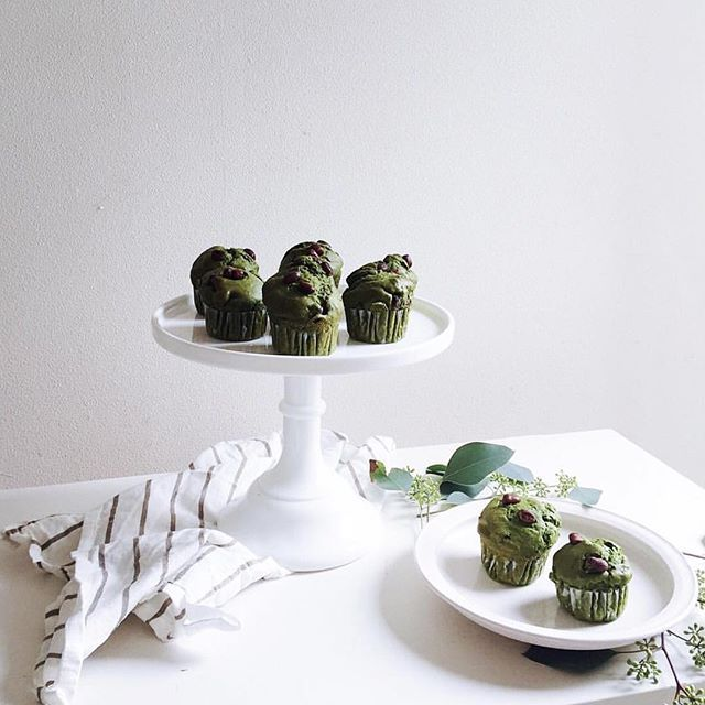 🍰Mighty green Matcha muffin anyone? 😍💚🍵#yummy (Cr. 📷 @nonihana_ )  #matcha #baking #homemade #matchacake #matchamuffin #ultimatematcha