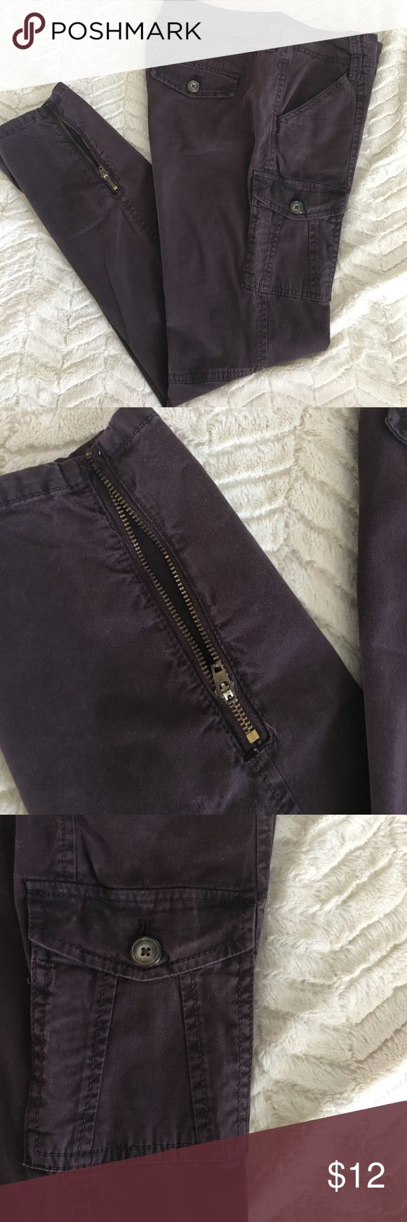 """Old Navy cargo pants Old Navy brown cargo pants. Adorable fit!! Cute zippers at the ankles. Size 4. Front and back pockets. Fitted fit. Approximately 28 1/4"""" long. Old Navy Pants"""