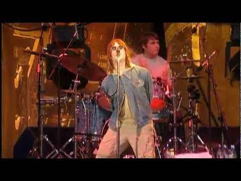 Oasis - Acquiesce (live in Wembley 2000) - YouTube