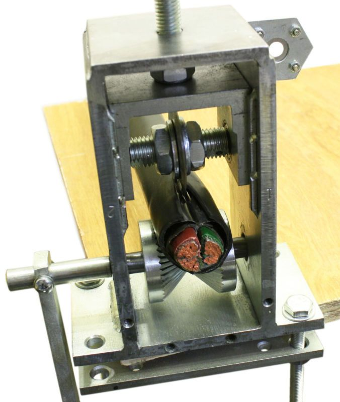 NEW Copper Wire Stripping Machine Hand Crank or Drill Operated Cable Stripper