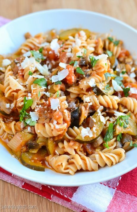 Slimming Eats Bacon, Mushroom, Tomato and Zucchini Pasta - gluten free, dairy free, Slimming World and Weight Watchers friendly
