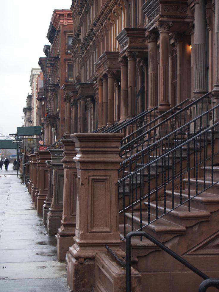 New York Brownstones: Brownstone Nyc, Big Apples, York Cities, Beautiful Brownstone, Brown Stones, Architecture, New York Brownstone, Newyork, New York Hotels