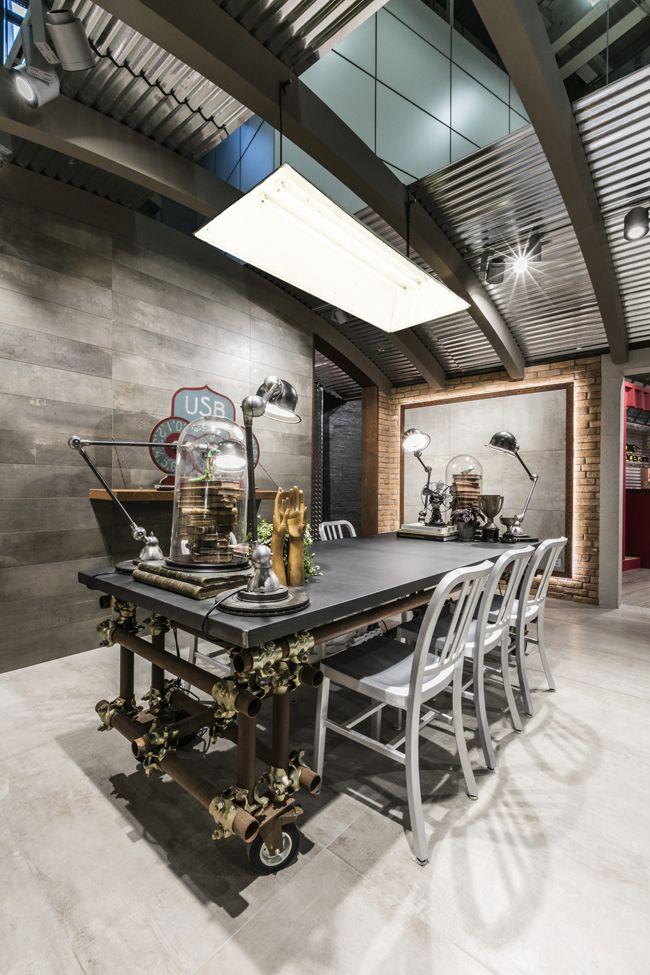 Fabuloft - Cersaie 2015 - Stand Novoceram - #exhibition #stand #scenographie #booth #carrelage #cersaie #ferme #cersaie2015 #style #industriel #WeLoftYou #usine #loft  http://www.novoceram.fr/blog/scenographies/fabuloftFabuloft - Novoceram - Studio