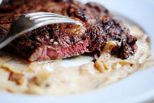 Grilled Ribeye with Blue Cheese & Onion SauceSauces Recipe, Ribeye Steak, Pioneer Woman, Grilled Ribeye, Cheese Sauces, Pioneer Women, Blue Cheese Sauce, Onions Blue, Chees Sauces