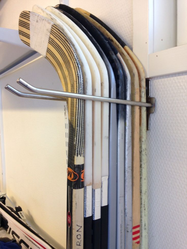 Jääkiekkomailateline, rst. Ice hockey stick stand, stainless steel.