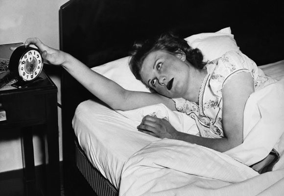 Maria Konnikova explains why hitting the snooze button actually makes the wake-up process more difficult, and looks at better ways to feel rested.