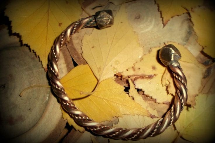 Reconstruction of Viking bracelets