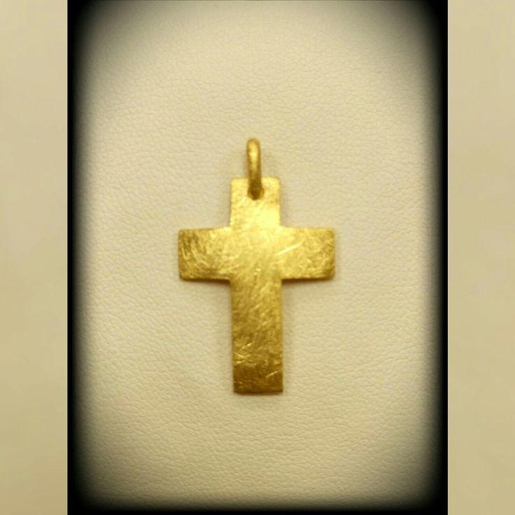 gold cross 18k