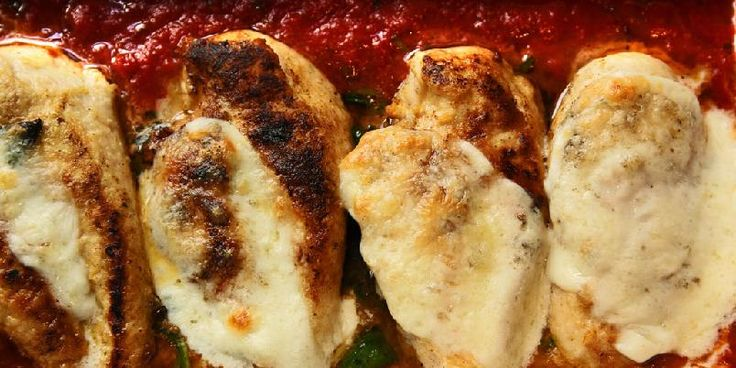 Kjapp, italiensk hverdagsmat blir godt med kylling og mozzarella.