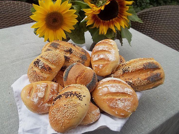 Die schnellsten Brötchen der Welt, ein sehr schönes Rezept aus der Kategorie Brot und Brötchen. Bewertungen: 627. Durchschnitt: Ø 4,3.