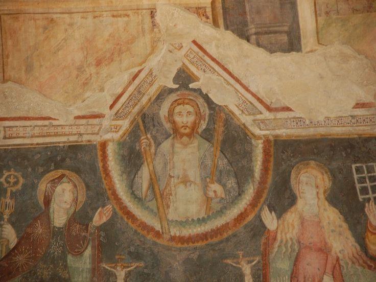 Bergamo - Ex Chiesa e Ospedale della Maddalena - affresco trecentesco di autore anonimo; dettaglio: Cristo giudice all'interno della mandorla tra la Vergine e Santa Maria Maddalena,