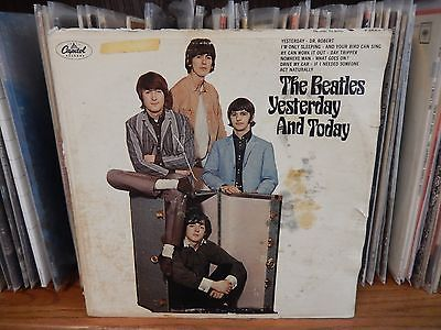 THE-BEATLES-BUTCHER-COVER-LP-Yesterday-and-Today-Record-SECOND-STATE