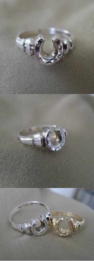 http://www.equestrianjewelry.com/ProductInfo.aspx?productid=HSHC0094S