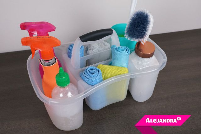 [VIDEO]: How to Organize a Cleaning Kit