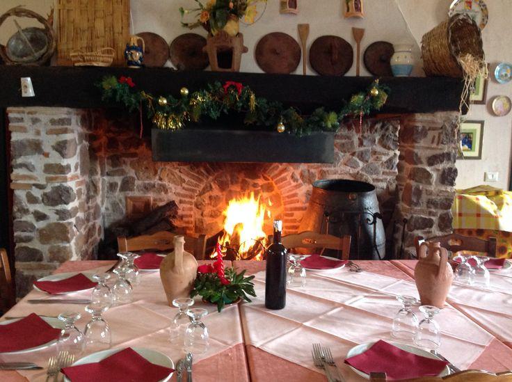 Cosa c'è di meglio di gustosi pranzi e deliziose cene da consumare durante le feste natalizie al calore del nostro camino?! Prenotatevi allo 0941-39703 oppure alla mail infosantamargherita@tiscali.it... VI ASPETTIAMO!!!