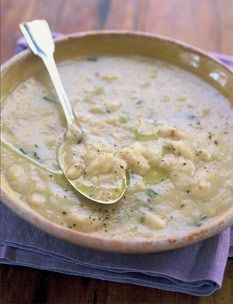 Rosemary White Bean Soup (ina garten) - Recipe: http://www.food.com/recipe/barefoot-contessas-rosemary-white-bean-soup-142140